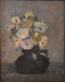 Kwiaty w ciemnym wazonie